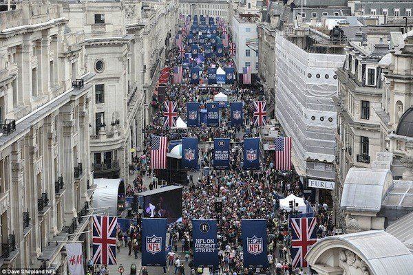 Daily Mail NFL Parade