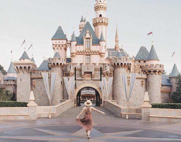 instagram blogger fakes disney trip