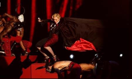Madonna fall Brits